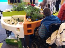 visiteurs au stand verdurable salons sante autonomie 2015