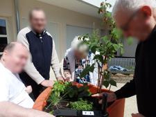jardinage en convivialité EHPAD Olivier Darblade Aire sur lAdour