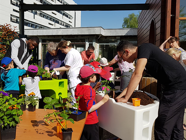atelier jardinage intergenerationel hopital Duputren 2018