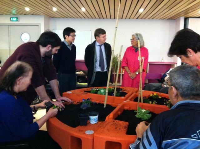 atelier de jardinage MAS Violette Germain avec les Blouses rose de Lyon