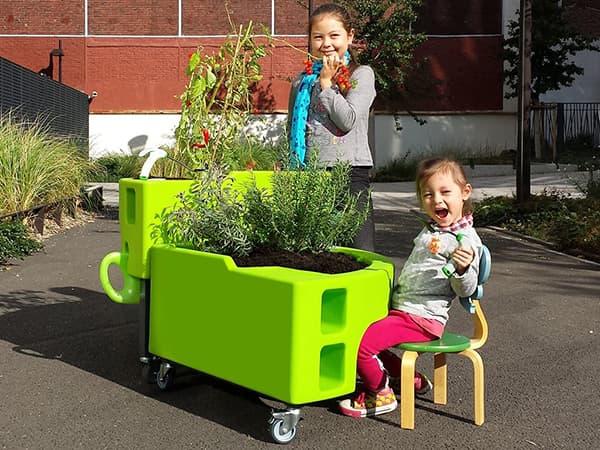 jardin pédagogique avec jardinière sur pied Verdurable
