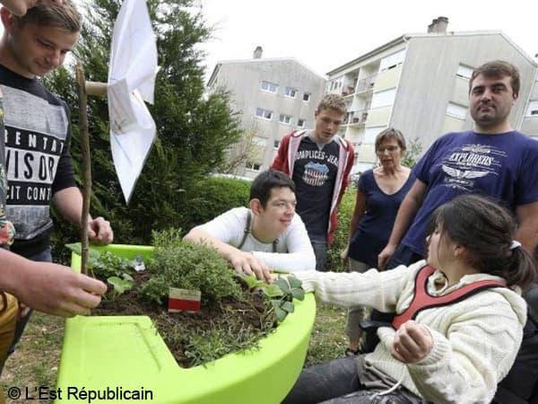 jardin thérapeutique pour les jeunes atteints de polyhandicaps