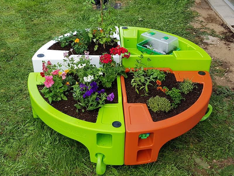 jardin pedagogique à la Crèche Pollux