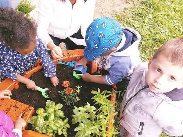Jardin adapté aux enfants de crèche Pollux