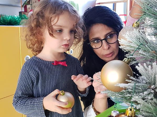 accrocher boule décoratif de Noël
