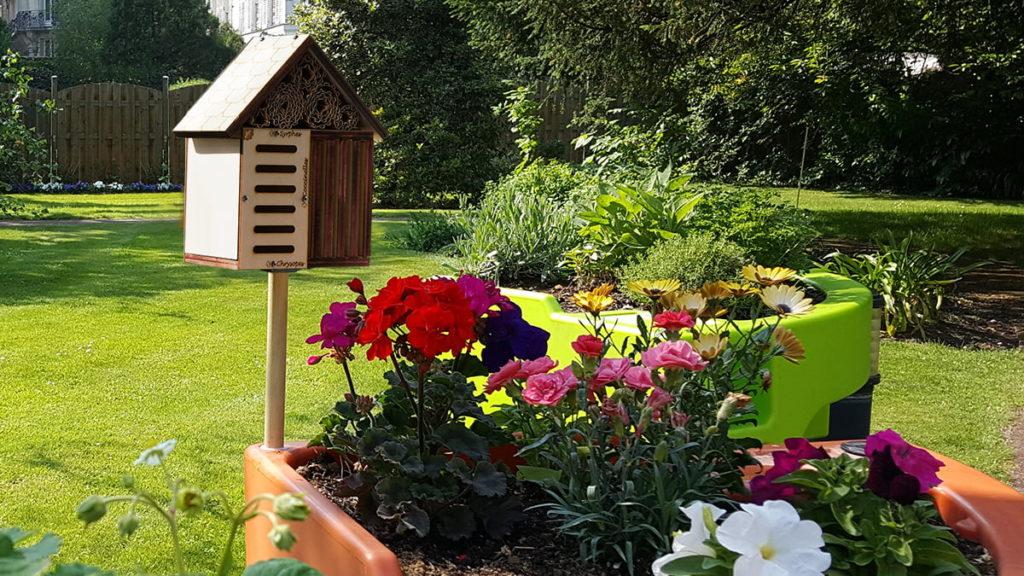 gîte à insectes au jardin
