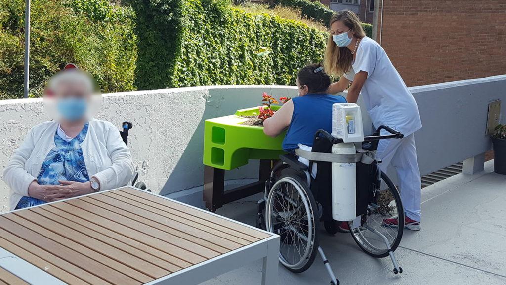 jardinage thérapeutique à l'hôpital gériatrique les Bateliers